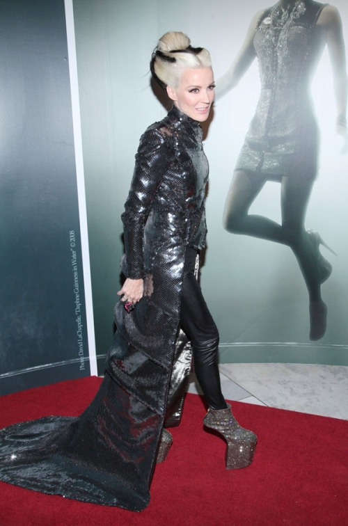 Atending the Daphne Guinness Fashion Exhibit last year, standing in front of the 'Daphne Guinness in Water' portrait
