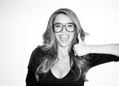 sofia-vergara-terry-richardson-harpers-071713-7-580x435