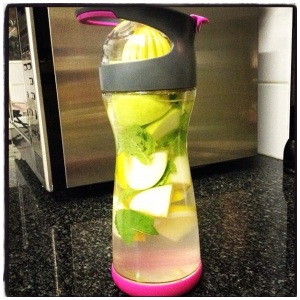 Lemon, apple and Fresh Mint