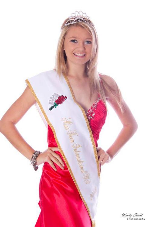 Simone Meyer - Miss Teen SA 01