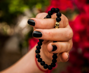 Skull & Bone Mettā Small Black Bead R220