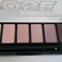 Catrice Absolute Rose Eyeshadow Palette - 010 Frankie Rose to Hollywood